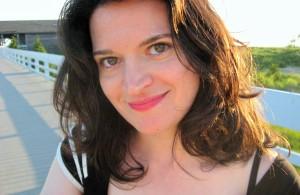 Elizabeth Eslami - photo IU